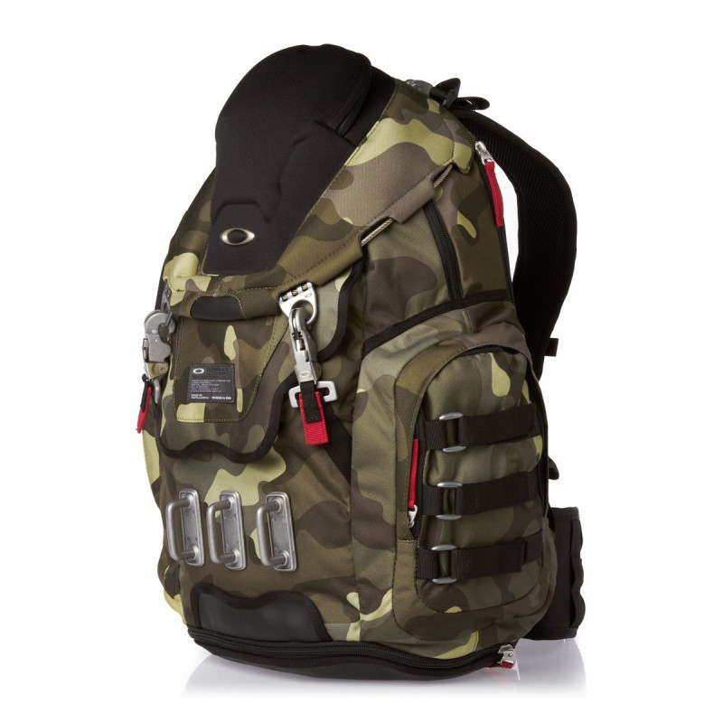 oakley kitchen sink backpack oakley kitchen sink 17 quot laptop macbook pro herb camo 3590